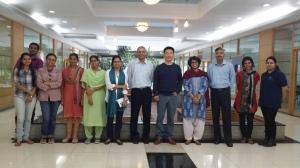 인도 IIIT-B에서 교수 및 학생들과 함께